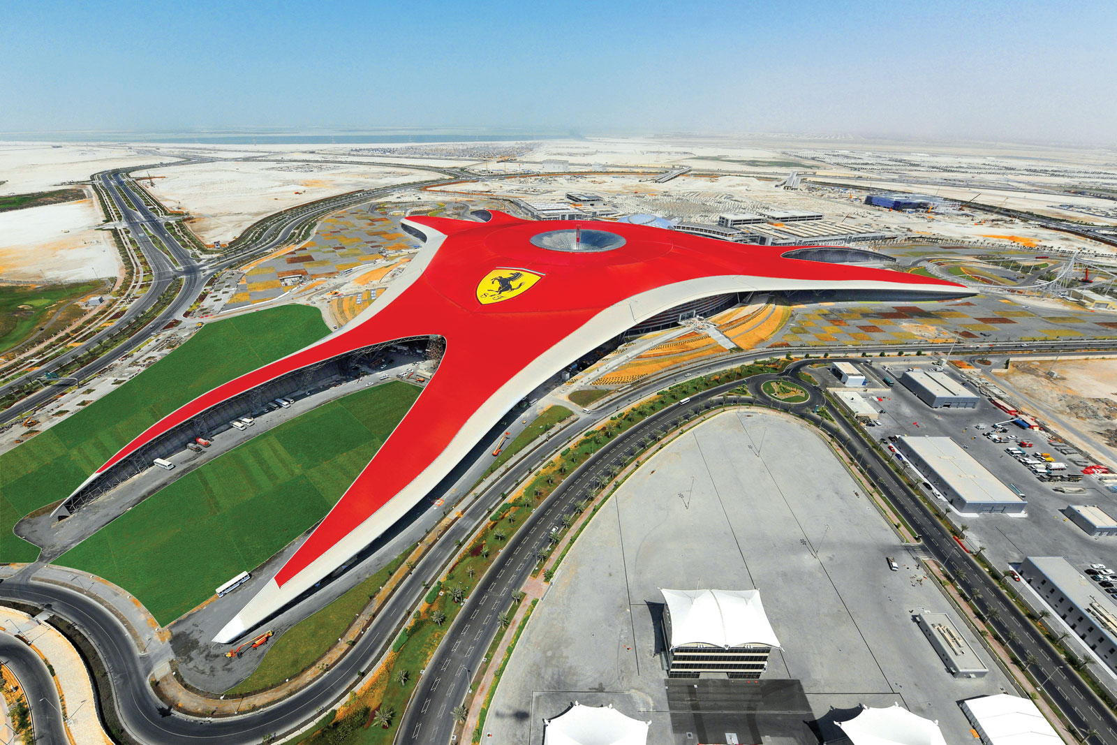 Поездка в Ferrari World Abu Dhabi